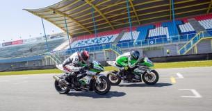 Rij-impressie Kawasaki supersport-racers
