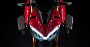 Ducati Streetfighter V2 onderweg