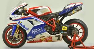 Psst, kampioensmachine van Carlos Checa kopen?