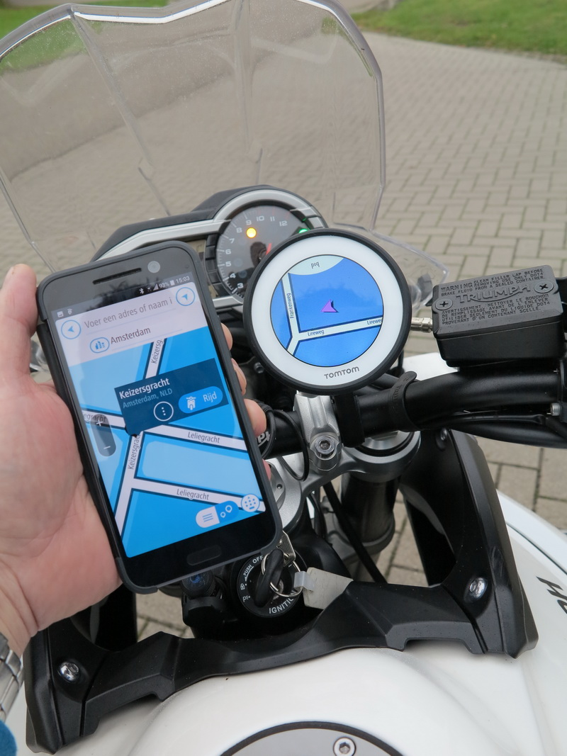TOMTOM Technology for a moving world Meet the leading independent location navigation and map technology specialist