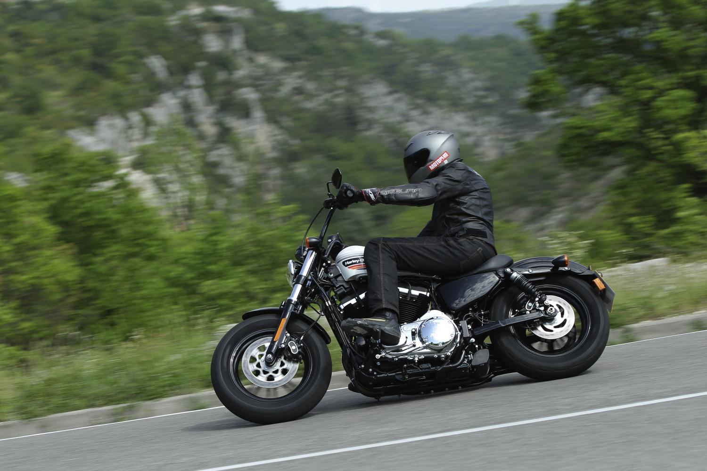 Gratis Lezen Eerste Test Harley Davidson Forty Eight Special En Iron 1200