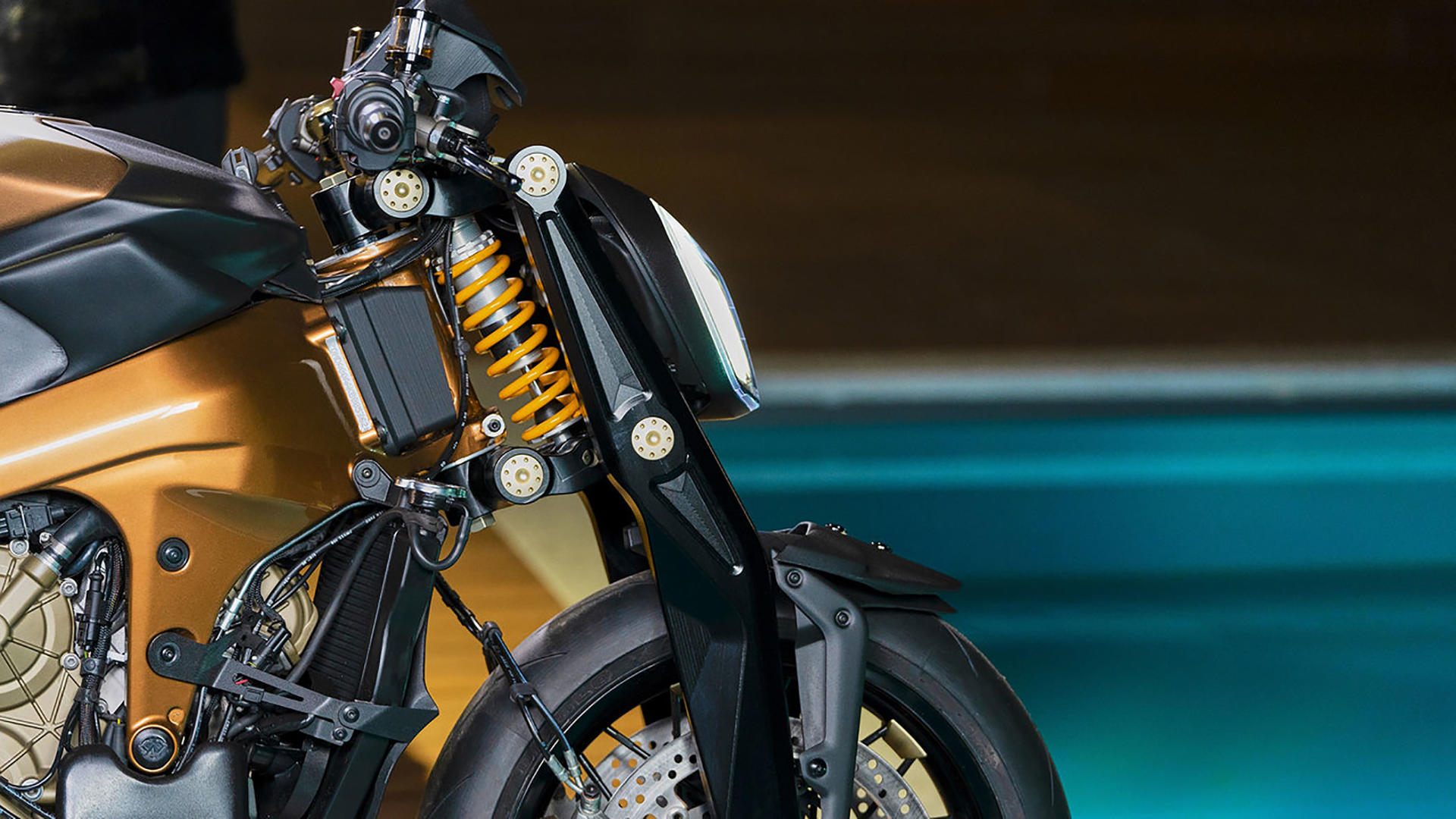Ducati V4 Penta - Un streetfighter sur base de Ducati